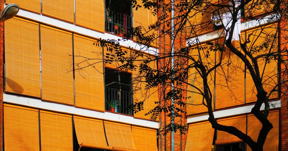 Detalle foto de Bloc dels Pescadors en la Barceloneta rehabilitado por 23:45 Arquitectes  | 23:45 Arquitectes