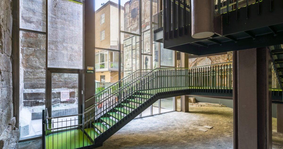 Arquitectura corporativa en Barcelona por 2345 Arquitectes Centro Cívico Pati Llimona | 23:45 Arquitectes